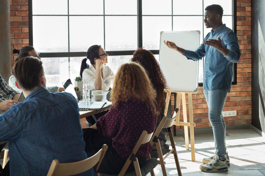 Offert à compter de l'automne 2020, le nouveau programme s'adresse aux bacheliers qui n'ont pas de formation en gestion.