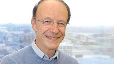 Le professeur émérite Pierre Fortin obtient le prix Guy-Rocher